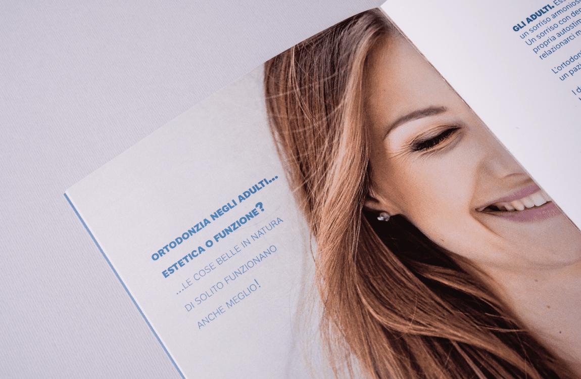 Folder FaceXP dettagli tipografia e fotografia
