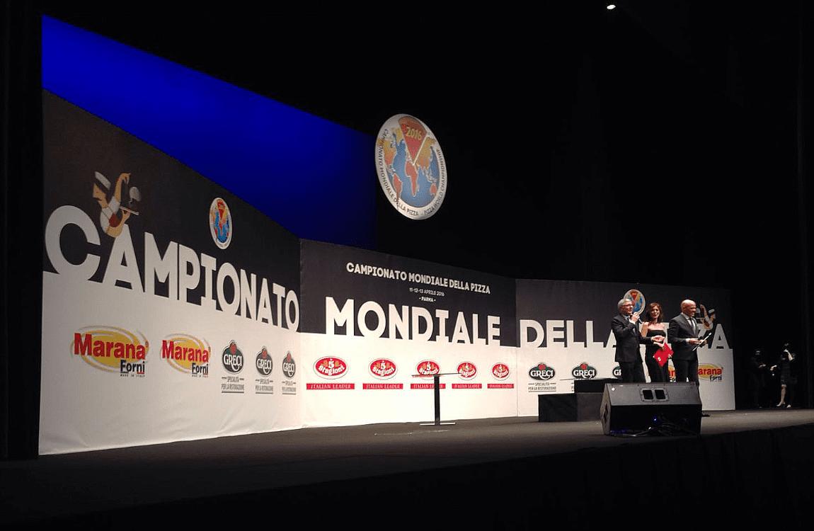 Allestimento Campionato Mondiale della Pizza palco